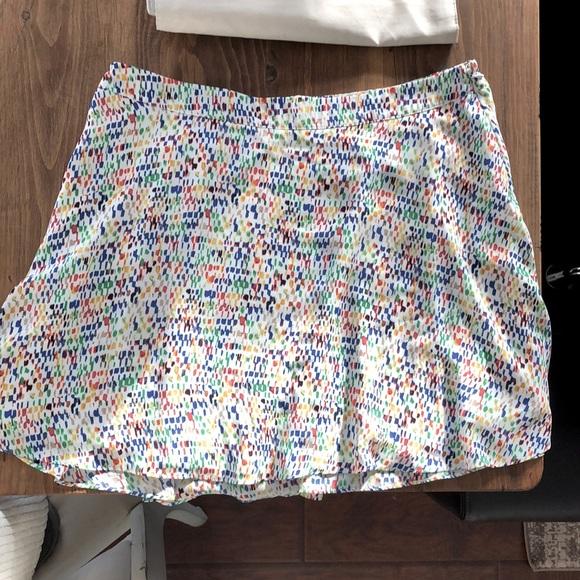 SzL Vince camuto flirty spring skirt